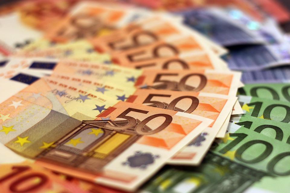 money-1005476_960_720 arrondir Faut-il faire du Trading pour arrondir ses fins de mois ? money 1005476 960 720